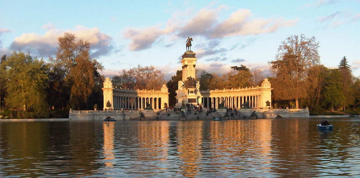 Retiro park in Madrid, a good place to study Spanish